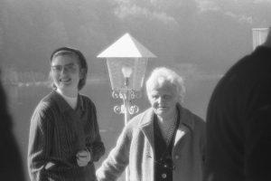 Germaine Taillefer et sa nièce Olivet 1970